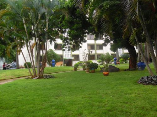 HotelLamada Hotel & Apartments