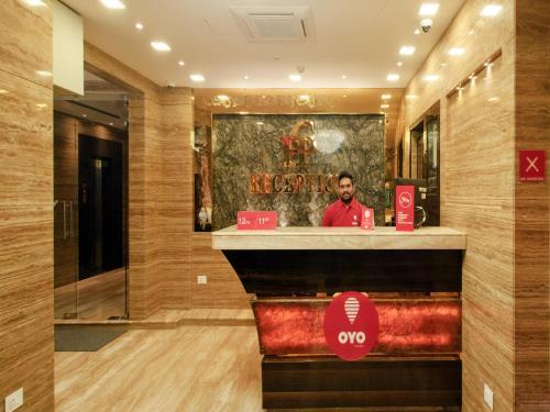 HotelOYO 8565 Hotel Golden Palace