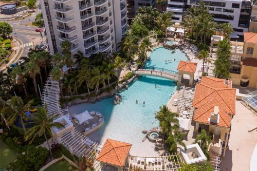 Holiday Holiday Chevron Renaissance self contained apartments