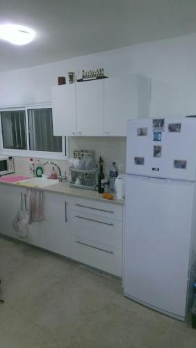 Charming Apartment Adjacent To The Beach To The City Of Haifa