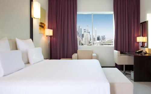 Pullman Dubai Jumeirah Lakes Towers photo 57