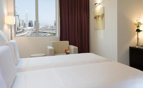 Pullman Dubai Jumeirah Lakes Towers photo 29