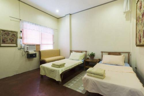Deluxe Double Room - Guestroom Beach House Liloan