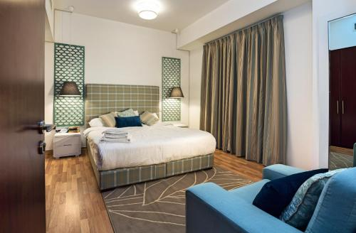 One Perfect Stay - shams 4 Photo