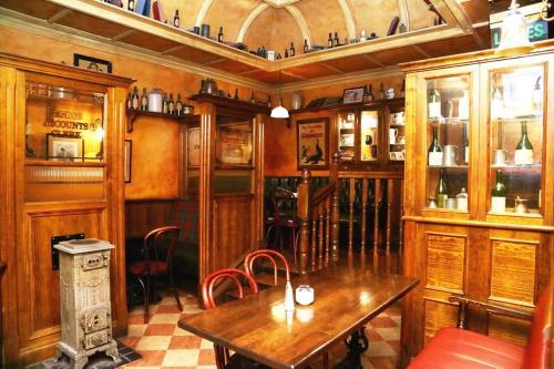 O 39 neills victorian pub townhouse dublin for Moquette anglais