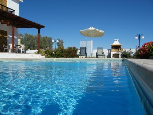 Sunny Villa Coral Bay