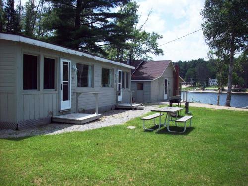 Algonquin Cottages