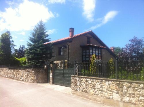 Casa Solallosa 112, Quijas