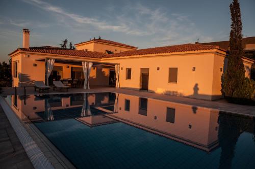 Villa Alykos