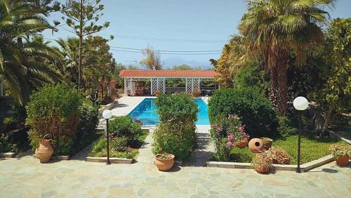 Alepokhori Beach stunning Villa with Olympic pool