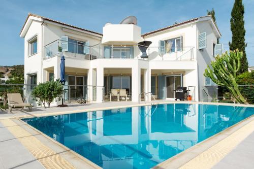 Villa Riverside