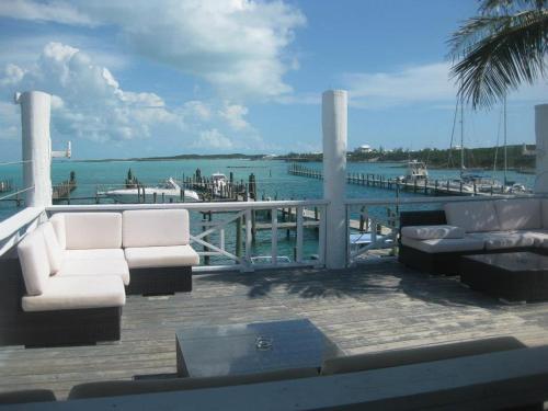 HotelExuma Yacht Club