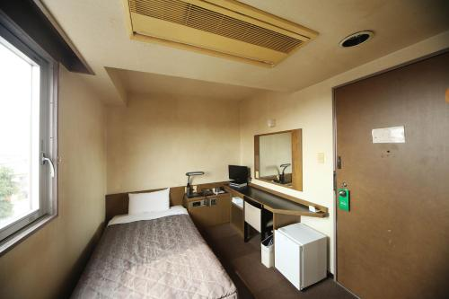 小型单人房 (Small Single Room)