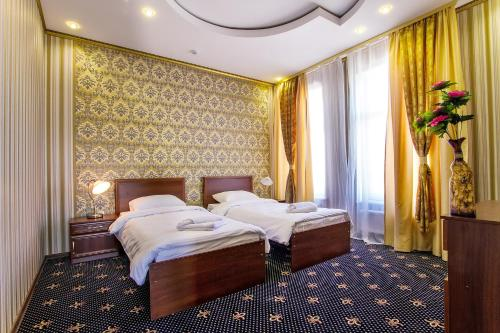 Hotel Golden Night