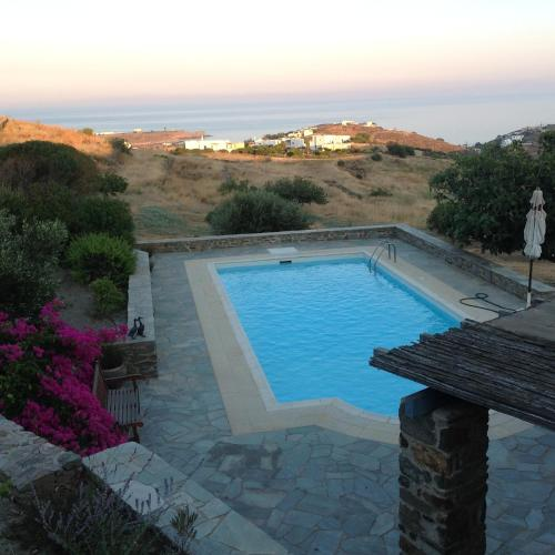 Villa with Pool in Syros