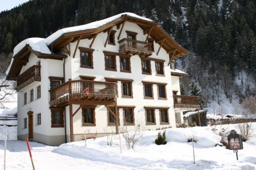 Villa 17 - Apartment mit 2 Schlafzimmern (3 Erwachsene) und einem Balkon