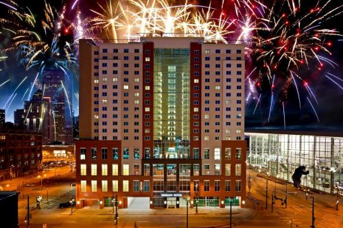 Emby Suites Denver Downtown Convention Center