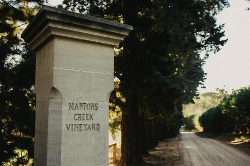 Mantons Creek Estate & Lodge