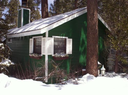 big us property a by image home vacation cabins honeymooner s hotel of ca this hideaway bear cool lake gallery