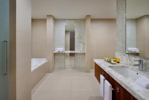 Marriott Hotel Downtown Abu Dhabi photo 37