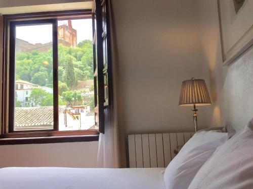 Habitación doble con vistas a la Alhambra - 1 o 2 camas Palacio de Santa Inés 12