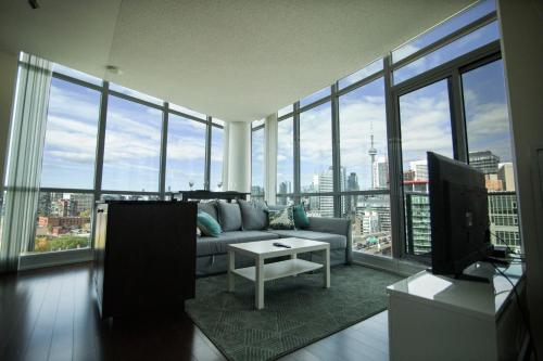 RS Suites - Fort York Blvd