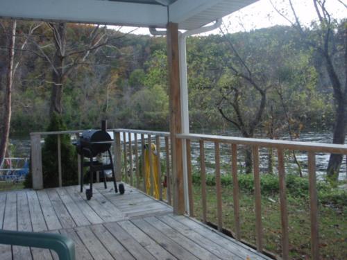 Rivercliff Cabin On White River