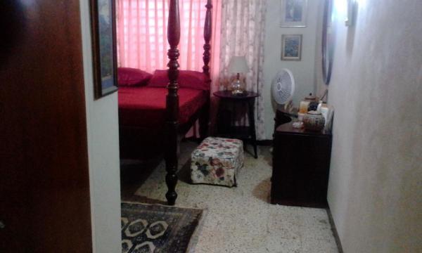 Cozy Victorian Room