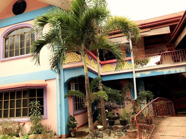 Edam & Ace Hostel