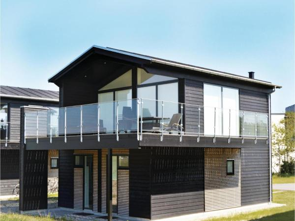 Three-Bedroom Holiday home Frederikshavn with Sea View 02