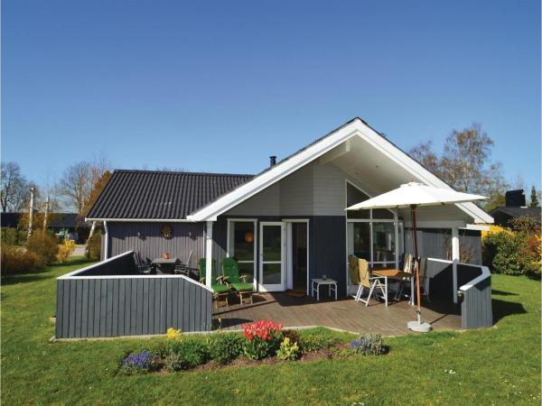 Three-Bedroom Holiday home Stubbekøbing with Sea View 07