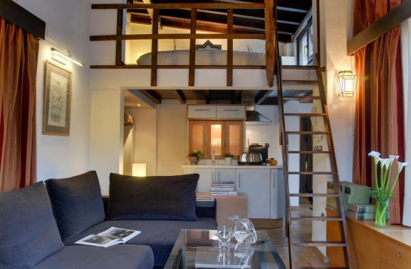 Apartamentos Muralla Zirí