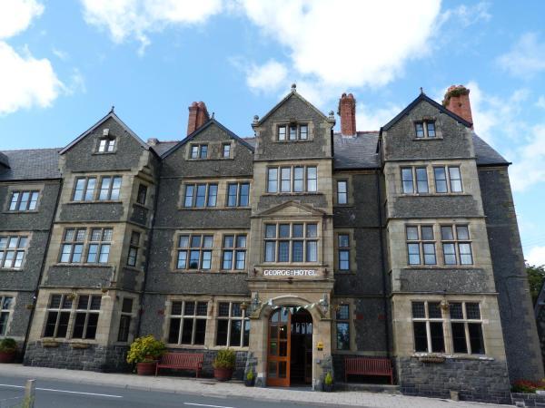 George IV Hotel in Criccieth, Gwynedd, Wales