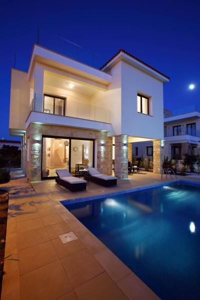Golden Villa 1