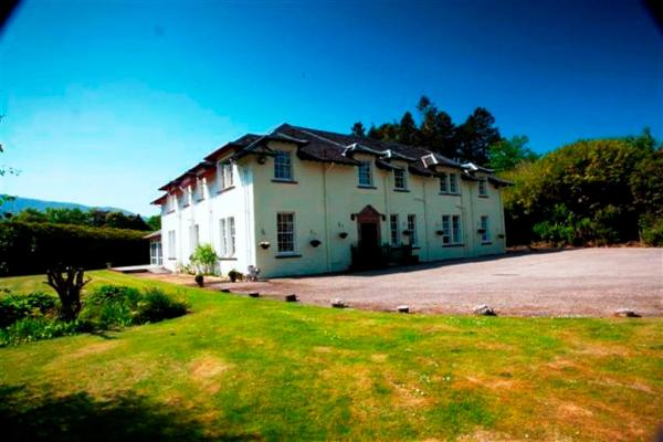 Mackinnon House and Archie's B&B