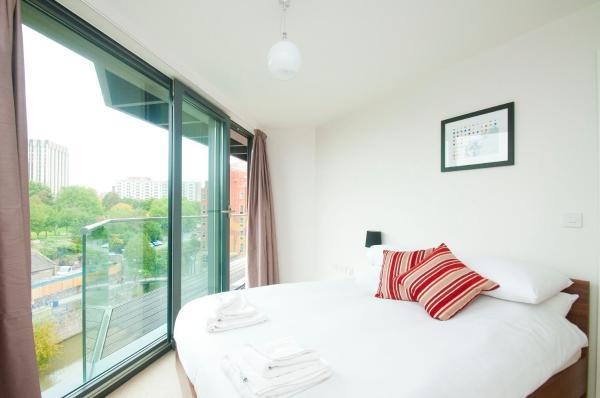 Cleyro Serviced Apartments - Finzels Reach in Bristol, Somerset, England
