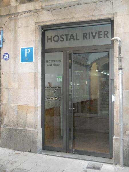 Hostal River