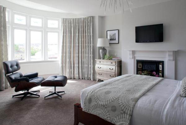 2 Crescent Gardens Guest House in Bath, Somerset, England