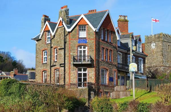 Castle Hill Guest House in Lynton, Devon, England
