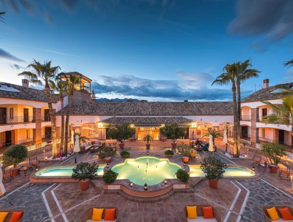 La Cala Resort