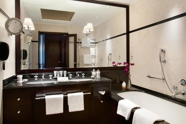 Adlon Executive Suite