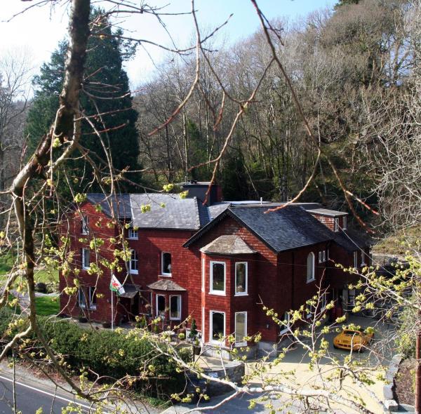 Lledr House Hostel in Dolwyddelan, Conwy, Wales