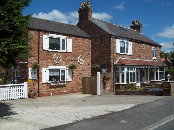 Fifth Milestone Cottage in Dunnington, North Yorkshire, England