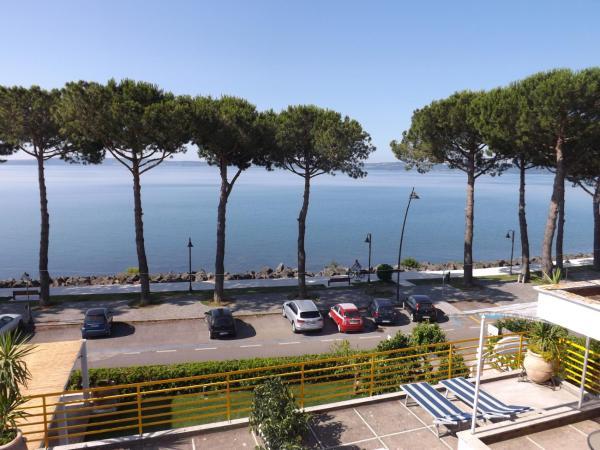 B B La Terrazza Sul Lago Pension In Trevignano Romano