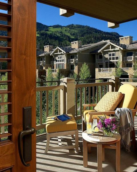 Four Seasons Resort and Residences Jackson Hole: hotels