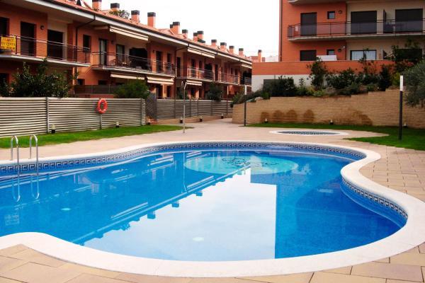 Apartamentos Cala Bohadella Fenals- Family