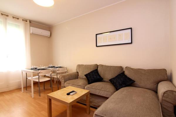 ClassBedroom Apartments V