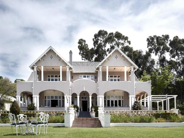 Parkes Manor