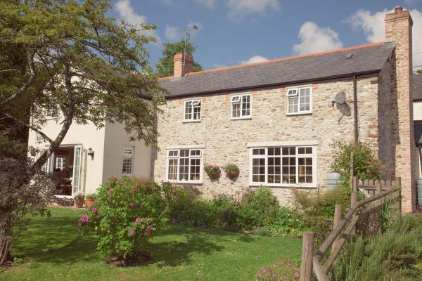 Blackwater Cottage in Hatch Beauchamp, Somerset, England
