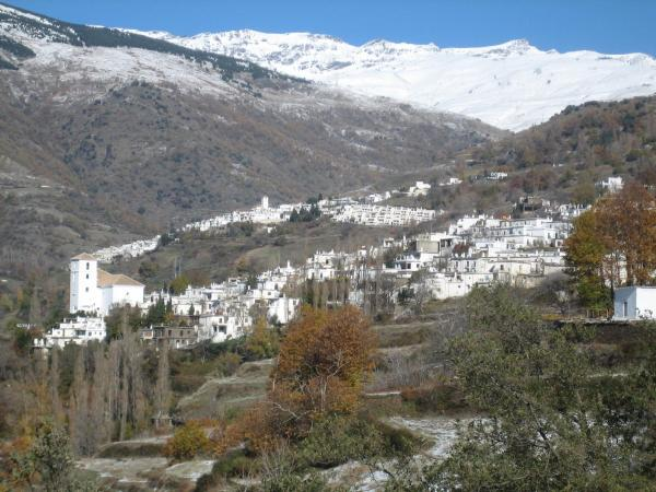 Apartamentos Rurales Las Chimeneas